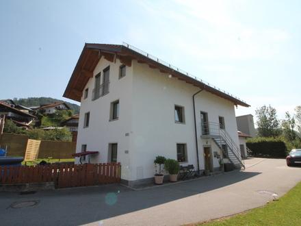 Obernzell/Zentrum: Wohnhaus mit Einliegerwohnung und PV-Anlage - beides hilft bei der Finanzierung