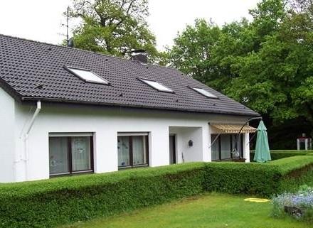 Schickes, großzügiges Haus mit ca. 3 ha Riesengrundstück und Nebengebäuden