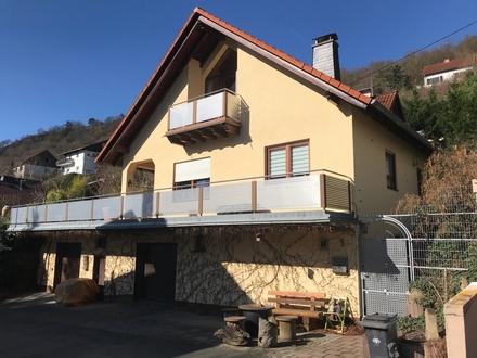 Freistehendes Einfamilienhaus in ruhiger Lage mit schönem Grundstück und großer Garage