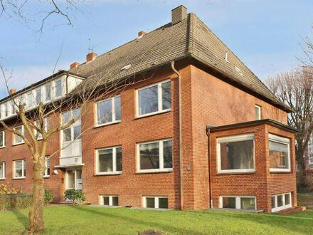 TT Immobilien bietet Ihnen: Großzügie Mietwohnung im schönen Villenviertel!