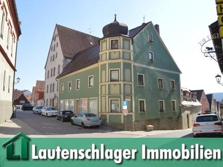 Historisches denkmalgeschütztes Wohn- u. Geschäftshaus, sowie vermietetes 5-Parteien-Haus in Velburg