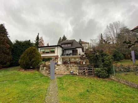 LIEBHABEROBJEKT:Charmante Villa in bevorzugter Hanglage inklusive Bauplatz mit 703qm!!!
