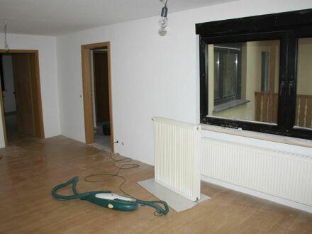 Mayence-Immobilien: Sanierte Maisonette-Wohnung in Groß-Winternheim!!