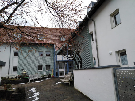 Seniorenwohnung für zwei Personen in Wolfschlugen (ab 60 Jahre,Wohnberechtigungsschein erforderlich)
