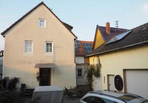 Freistehendes Haus mit Scheune,Hof und Garten