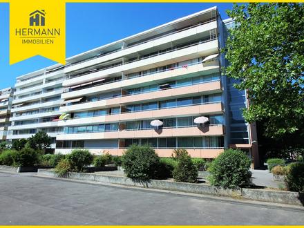 Schöne 4-Zimmer-Wohnung mit Terrasse und liebevoll angelegtem Gartenbereich in Dietzenbach
