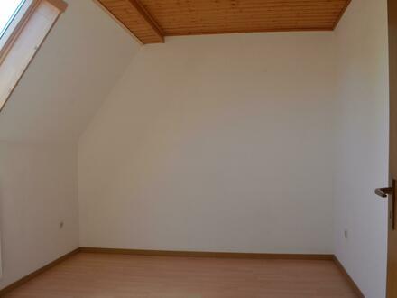 2 ZKB Dachgeschosswohnung in Neuhaus