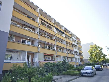 Nachnutzer gesucht für Großzügige 1- Raumwohnung mit Balkon!