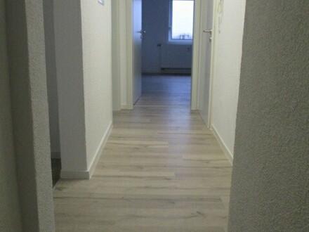zentrale 5 Zimmer Maisonette Wohnung, frisch saniert, ab sofort