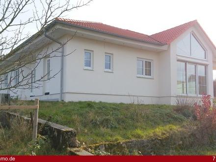 Eleganter Bungalow *Ausbauhaus mit architektonischem Flair*