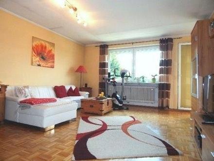 Freundliche 4 Zimmer Wohnung mit Balkon und Stellplatz, in guter Lage, Passau-Neustift zu vermieten!