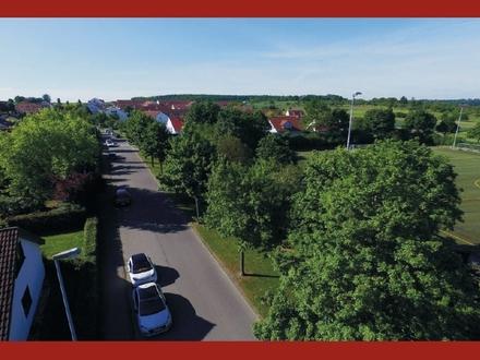 Gepflegtes 1-2-FH mit Potenzial - Herrliches, sonniges Wohnen direkt am Landschaftsschutzgebiet!