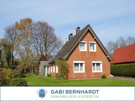 Herrliches Grundstück mit Renovierungsobjekt für doppeltes Wohnglück mit großem Potenzial!!