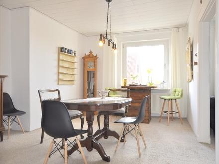 Schöne Dachgeschosswohnung in Neuengroden