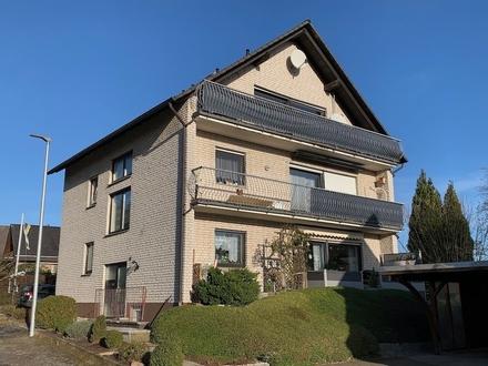 ~~Solide vermietete Dachgeschosswohnung mit Balkon !~~