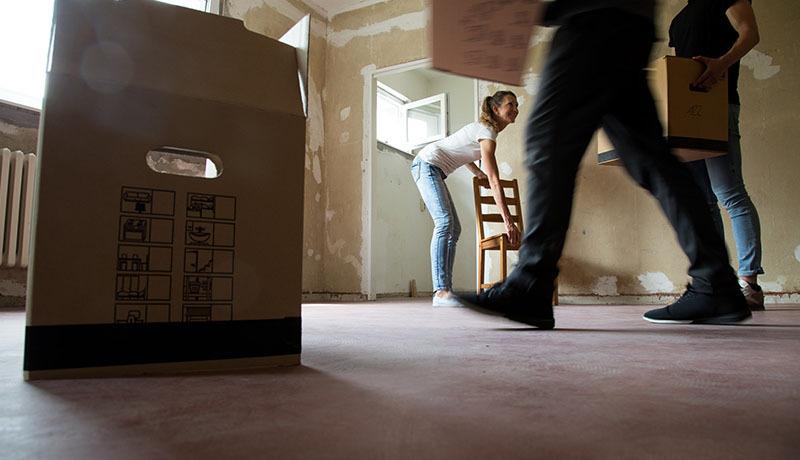 Umzugsschäden Foto Christin Klosedpa-tmn - Honorarfrei nur für Bezieher des dpa-Themendienstes +++ dpa-Themendienst.jpg