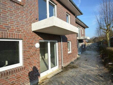 ERSTBEZUG! Schöne Dachgeschoss-Wohnung mit Balkon in Jaderberg [Whg.4]