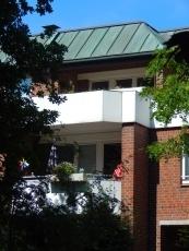 Helle Etagenwohnung in sehr gepflegter Gartenanlage, zentrale Lage in Wedel