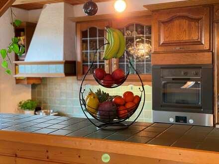 Außergewöhnliche DG-Wohnung bietet genügend Platz für die kleine Familie!