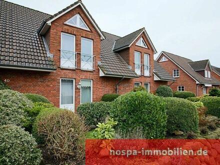 Großzügige Dachgeschosswohnung mit zwei Garagen in Niebüll!
