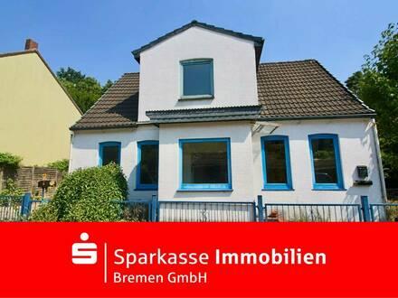 Zwischen Bremen und Ihlpohl: Außergewöhnliches Grundstück mit modernisierungsbedürftigem Doppelhaus