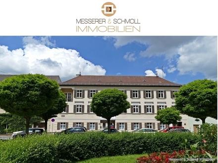 Messerer & Schmoll: Sanierte und ruhig gelegene Erdgeschosswohnung in einem Innenhof der Freyung!