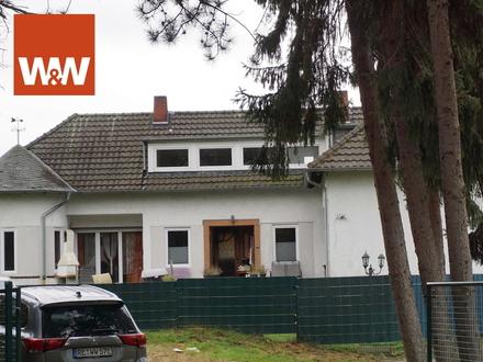 Für Pferdeliebhaber!!! 2-Fam.-Haus mit 8.057 qm Grundstück mit Reitplatz Weide und Stallungen