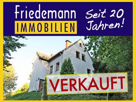 Wohnen am Waldesrand mit tollem Ausblick! Teilrenoviertes 2 Familienhaus mit Terrasse, Garten und Doppelgarage in Vlotho…