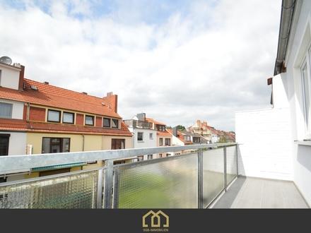 Neustadt / Erstbezug: Sanierte 2-Zimmer-Wohnung in zentraler Lage mit Balkon