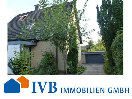 Attraktives Zweifamilienhaus in ruhiger, jedoch zentraler Lage von Bielefeld-Brake!