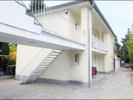 Apartmenthaus auch ideal als Bordinghaus mit 12 Zimmern plus kleiner 1-FH-Neubau und Restaurant