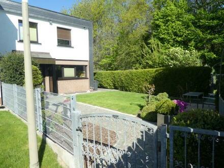 Top-gepflegtes Einfamilienhaus ( Reihenendhaus) mit Garage - Dortmund-Sölde