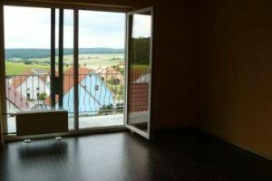 Lichtdurchflutete 3-Zimmer-Wohnung mit Balkon in 97535 Wasserlosen Schweinfurt / Bad Kissingen