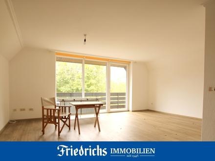 Renovierte Dachgeschosswohnung mit 2 Loggien und Garage in Bad Zwischenahn - begehrte Wohnlage