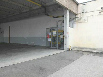 26_VH3539 Gewerbeanwesen mit mehreren Hallen, Bürotrakt und großer Freifläche / Schwandorf