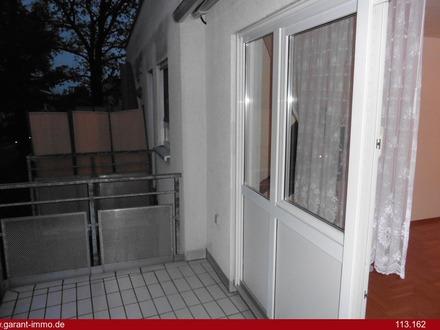Einfach einziehen in gepflegte 4 Zimmer-Wohnung mit Stellplatz sowie TG-Stellplatz