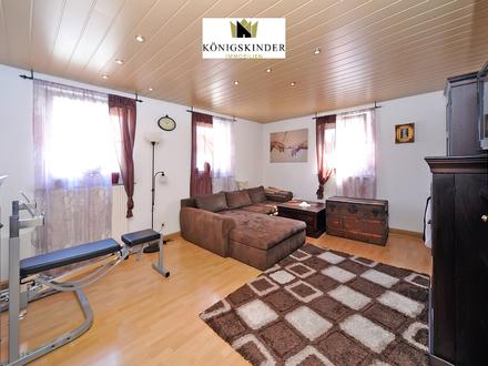 Großzügiges Mehrfamilienhaus mit zwei Garagen in ruhiger Lage von Wernau