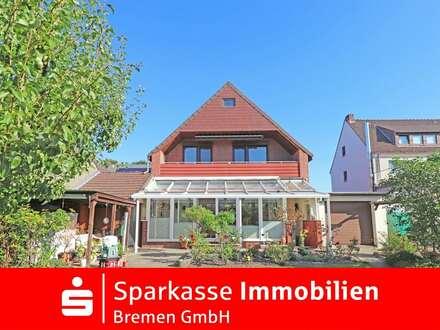 Ein - Zweifamilienhaus mit großem Garten und Garage in bevorzugter Lage von Fähr-Lobbendorf