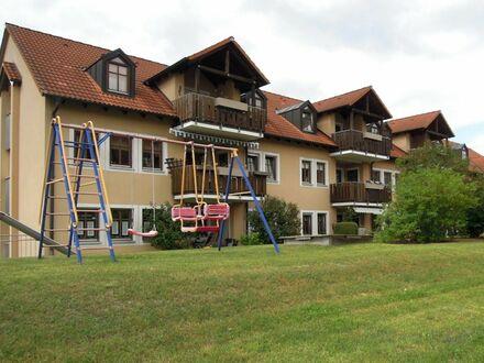 SOFORT freie 4 5 qm Komfortwohnung + herrlichen SONNEN- BALKON zur parkähnliche Grünanlage + TIEFGAR