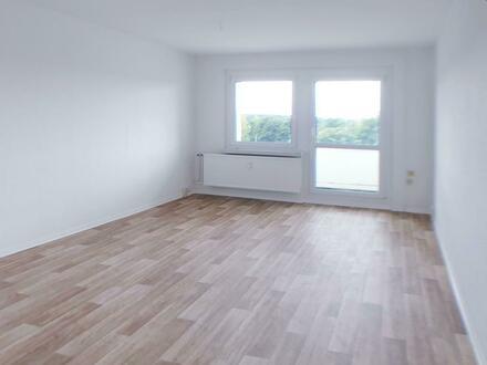 4 Zimmer Wohnung mit Balkon, Tageslichtbad