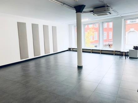 ARNOLD-IMMOBILIEN: Stylische Bürofläche in der Fußgängerzone / Bauhausstil