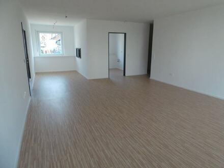 ARNOLD-IMMOBILIEN: Geräumige Wohnung sucht MIETER.
