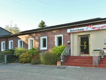 TT bietet an: Geräumige Büro-/Verkaufsfläche mit 14 PKW-Stellplätzen in Wilhelmshaven!