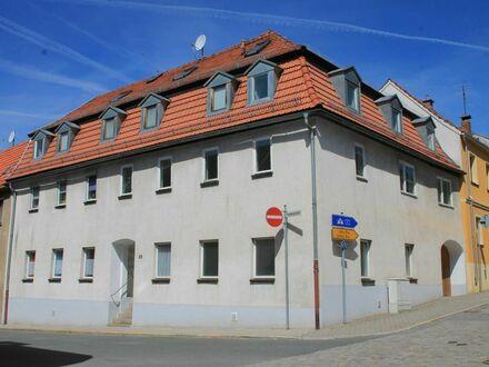 Mehrfamilienhaus mit 7 Wohneinheiten in Auma - ideal als Kapitalanlage