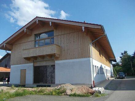 Repräsentative, sehr chice, hochwertige & individuelle 3 Zimmer-NEUBAU-Wohnung mit Galerie & Balkon; nur 5 km nach Bad Aibling…