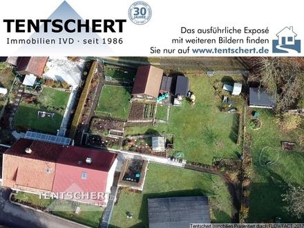 (Bau-)Grundstück mit Doppelhaushälfte und Garagen