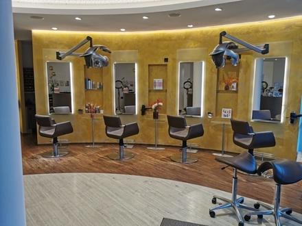 Hochwertige, moderne Dienstleistungsfläche für Friseure und Kosmetiker im Kolbermoorer HERTO-Park!