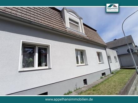 Mehrfamilienhaus + Neubaumöglichkeit auf großem Grundstück
