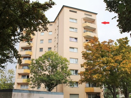 Modernisierte 3-Zimmer-ETW mit Balkon, Kfz-Stellplatz und grandiosem Ausblick