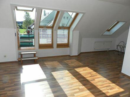 8,8 % BRUTTO-RENDITE:::kleine helle Dachgeschosswohnung mit Westbalkon:::